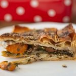 Vegan Spinach & Sweet Potato Borek - easy to prepare and perfect as a party dish for guests!
