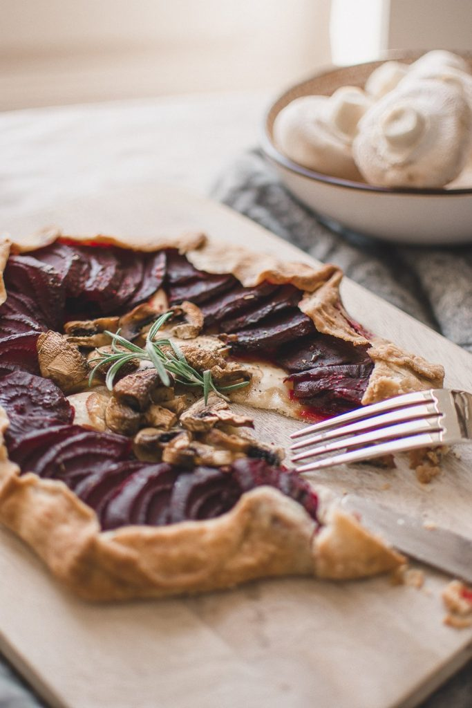 This galette recipe need only a few ingredients, is easy to make, healthy and vegan. It's a savoury galette dough with beetroot, mushrooms and thyme. Perfect nourishing meal for dinner. #galetterecipe #vegandinnerideas #veganrecipeinspo #healthyrecipes