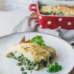 Vegan Spinach Lasagna Recipe Vegan · Serves 6 · Vegan Spinach Lasagna with only a few ingredients! This meatless lasagna recipe is easy to make and delicious. Perfect as vegan dinner or for meal prep! #veganlasagna #vegetarianlasagna #easylasagna #vegandinner #veganrecipes #mealprep