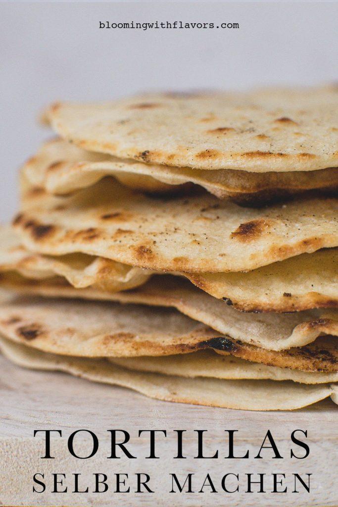 TORTILLA REZEPT - Heute möchte ich ein einfaches Tortilla Rezept teilen. Du brauchst nur 5 Zutaten, um 8 Tortillas selber zu machen. Sie sind weich und können für viele köstliche Gerichte wie Quesadillas verwendet werden. #tortillas #tortillarezept #veganetortilla #veganerezepte